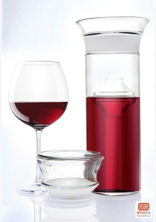 红酒开了要放冰箱吗_红酒开了放冰箱多久不能喝?-红酒开了放在冰箱1`个月还能喝吗 ...