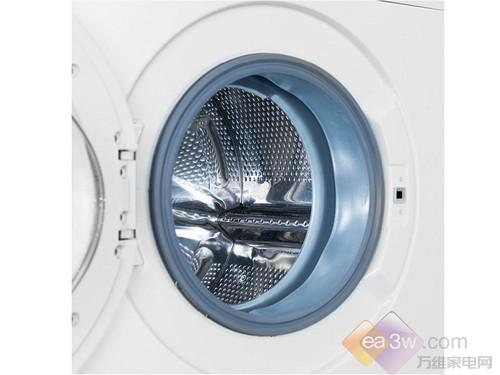 该款洗衣机的洗涤程序也较为齐全,比较具有个性化的是运动服洗、化纤洗、牛仔洗、棉织物洗、羊毛洗、特快15分钟/快洗30分钟等。内筒采用不锈钢材质。