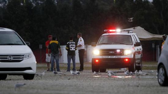 佛罗里达州雷击事件发生后,当地消防人员及医护人员赴现在救援。
