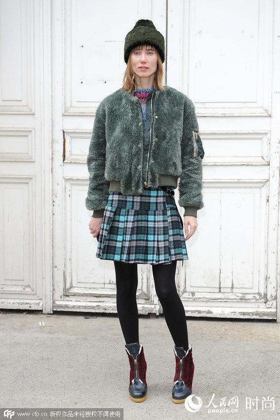 """街头潮人亲身演绎""""帽子戏法"""" 顶着时尚迎新年又暖又有型"""