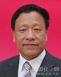 杨映祥:男,汉族,甘肃永登人,1955年1月出生,中共党员,兰州大学中文系毕业,大学本科学历。
