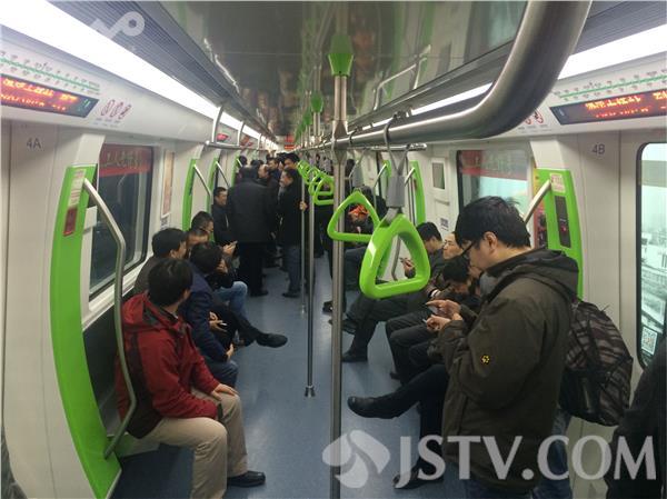 无锡地铁二号线今天开通