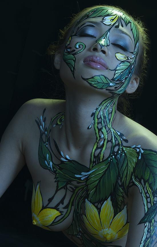 黄色人体艺术_女人的身体艺术,美到极致!与色情无关!