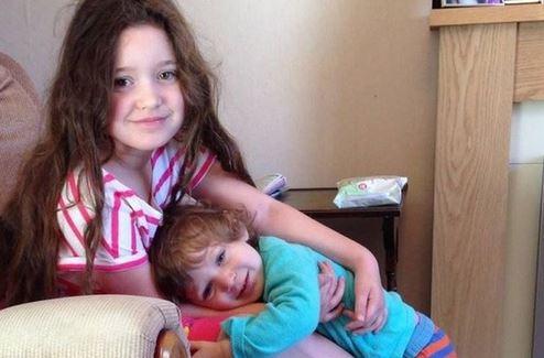英国六岁女童直到如今还在喝母奶