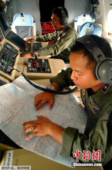 印尼总统令军警及救援机构全力搜寻失联亚航客机