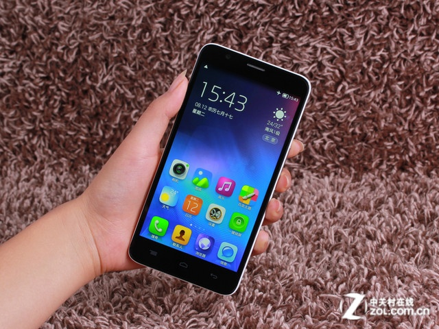 既时尚又低价 八大多彩千元4G手机推荐