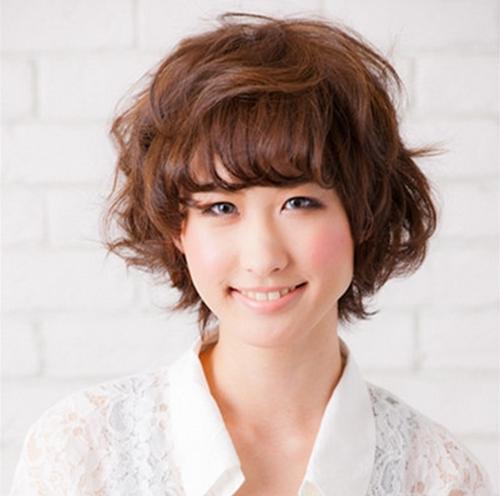 大圆脸适合什么发型 减龄修颜一举两得