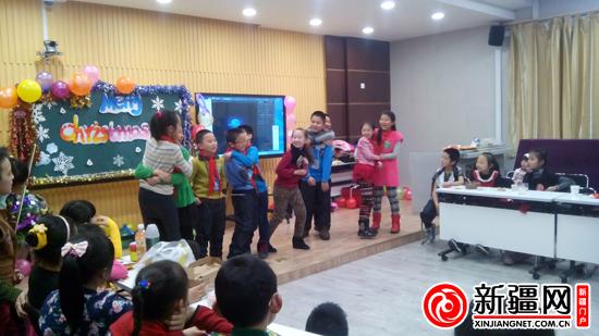 乌鲁木齐市第黄家学举办二小特色活动之狂欢圣英语杭州小学图片
