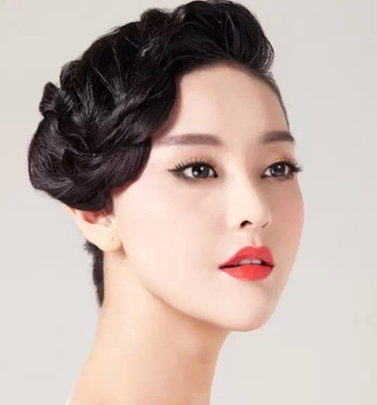 2015最新流行的韩式气质盘发图片图片
