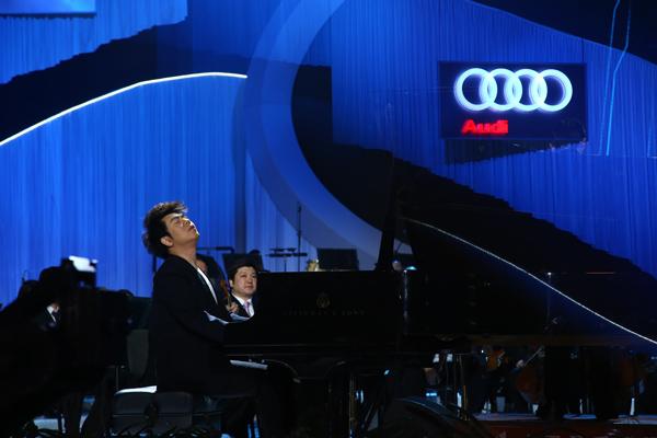 奥迪英杰汇品牌大使、国际钢琴巨星郎朗对于东西方不同风格音乐作品的完美呈现震撼全场
