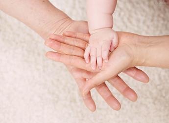如果不给宝宝剪指甲呢?