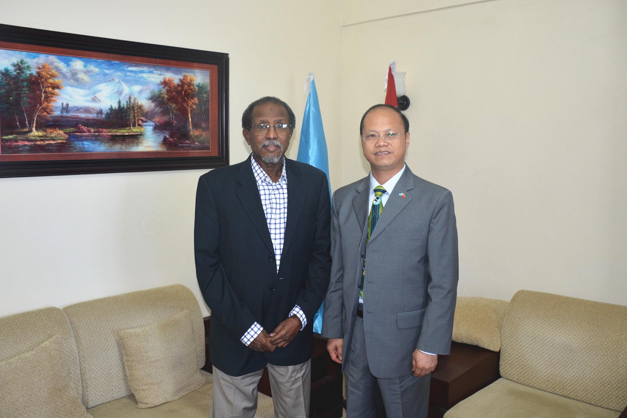 卡图莫地方自治政府成立于2012年,位于北部索马里兰与邦特兰之间,支持联邦制,主张维护索马里团结统一,反对索马里兰独立和国家分裂。