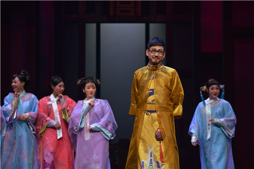 话剧《甄嬛传》昨晚首演成功 演绎女人的成长
