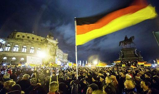 """德国爆发反对""""伊斯兰化""""的抗议游行"""