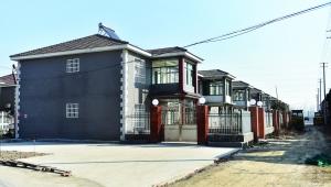 镇江丹徒区辛丰镇于南村已经建好的安置房 本版摄影 现代快报记者 李雨泽