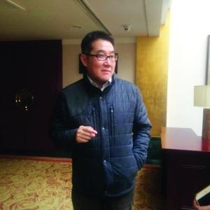 """""""乾隆宝座""""被北京神秘买家用3200万元买走(图)"""