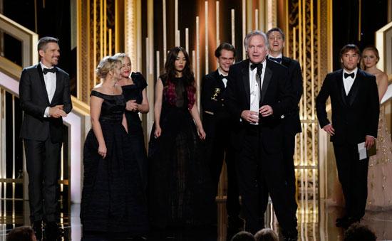 好莱坞颁奖季头号热门《少年时代》成为本届金球奖最大赢家
