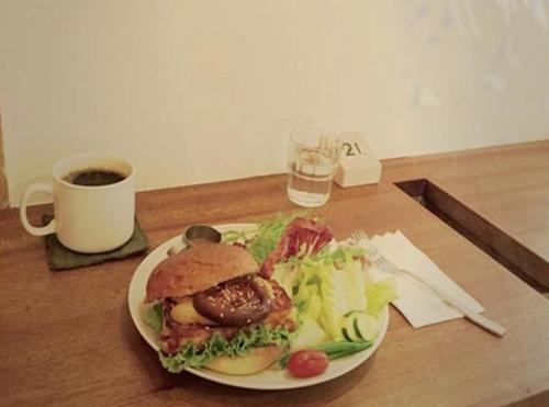 For Farm田乐汉堡。图自TVBS网站