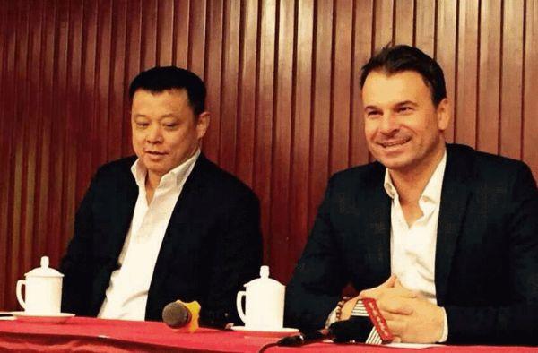 北京北控足球队召开发布会宣布斯塔诺出任主教练