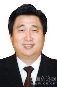 蒋建明,男,1962年12月出生,汉族,江苏宜兴市人,党校研究生学历,副研究员,1991年11月加入中国共产党。
