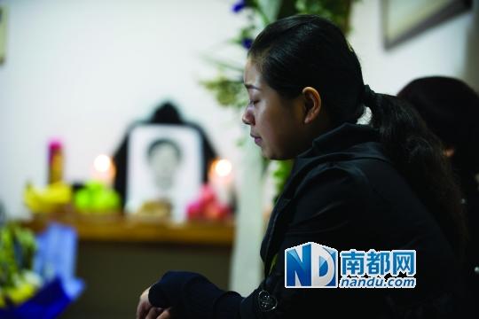 昨天,梁振涛的家眷在福田的家里为他设了灵堂。南都记者 陈文才 摄