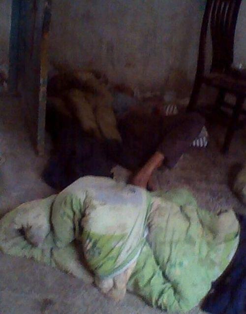 网友曝光革勒车镇福利院老人姚志清以地为床。