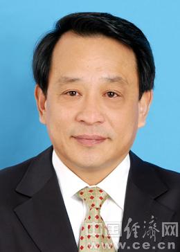 李福忠,男,汉族,1954年11月出生,北京昌平人。1974年9月参加工作,1974年1月入党。中共北京市委党校政治工作专业毕业,高级政工师、经济师。