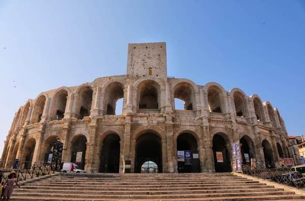 梵高VS凯撒 罗马古风的艺术小镇阿尔勒