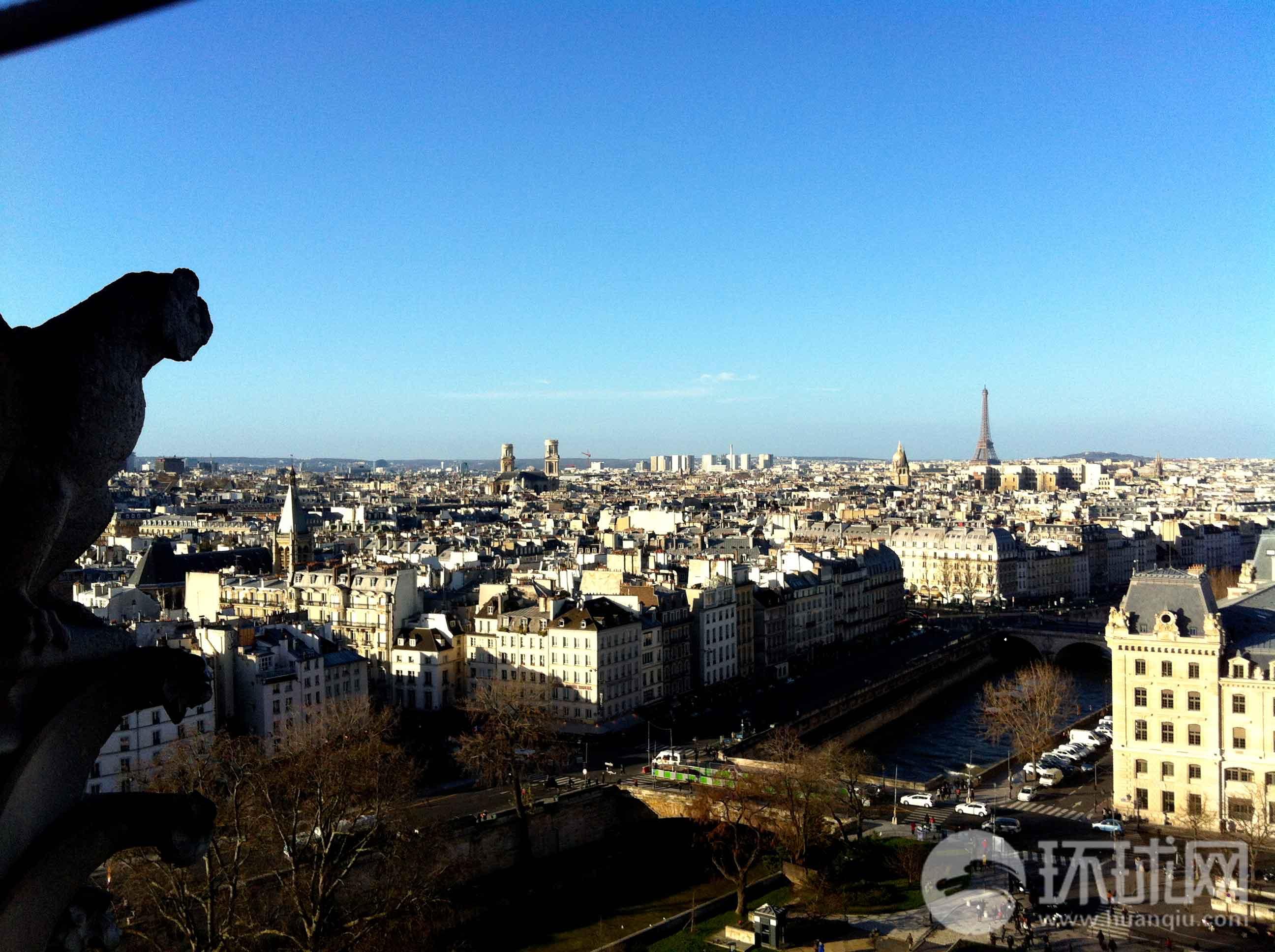 巴黎协和广场.从这里向北,巴黎的和平世界似乎渐渐被关闭.