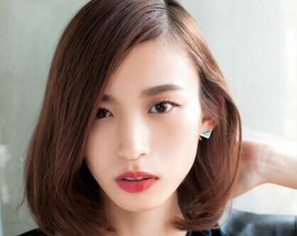 脸大女生适合什么发型图片