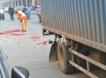 1月21日,3岁女孩被卷入货车下就地殒命。