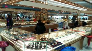 奥斯迪收购的锦华国际珠宝城已具规模 都市时报记者 朱云仙