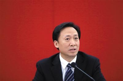 副市长张延昆认为,城市的环境、交通问题,包括停车问题,都需要精细化管理。新京报记者 薛�B 摄