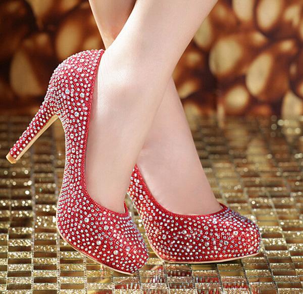 新娘鞋_新娘婚礼鞋怎么选 五款新娘鞋助你绽放光彩