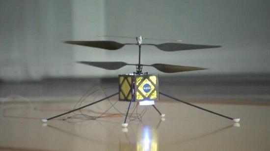 美国火星车在火星表面每日行驶十多米至几十米,而直升机在一个火星日(24小时39分35秒)内的飞行距离可达火星车行进距离的3倍。