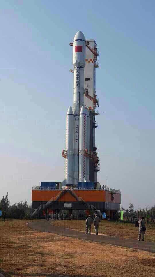 最近,长征7号火箭已经运抵海南文昌发射场,即将 ...