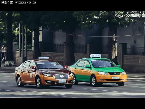 平壤最常见的两种出租车也是中国产,华泰和比亚迪