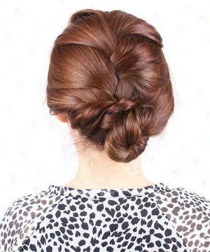step7:卷花苞 第六步的发型不用拆下