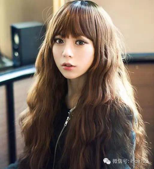 10款超甜美韩式中长卷发发型!