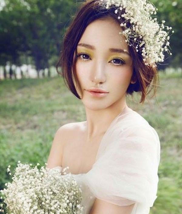 中分新娘韩式低盘发图片