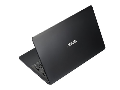 华硕X452/X552MD贴心配备了独家背装式无缝分岛键盘