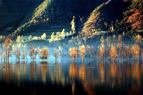 念湖——隐藏在云南大山深处的仙境,