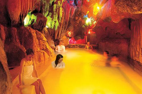 英德奇洞温泉