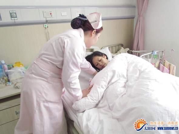临盆孕妇动车上产子后续:寻香港籍医生想道谢