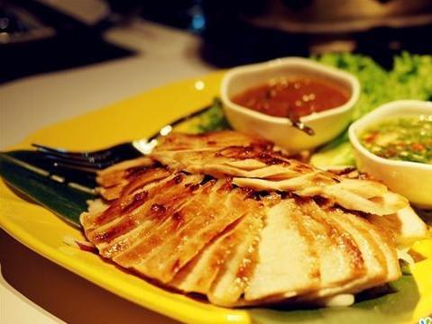 咖喱菠萝海鲜饭_[美食探店]深度攻略逼格又美味的那些情侣餐厅