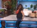 《艾伦秀第12季片花》S12E95 女观众性感热舞遭偷拍