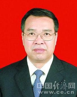 刘可清,男,汉族,1955年5月生,福建周宁县人,1975年12月加入中国共产党,1973年3月参加工作,中央党校在职研究生学历。