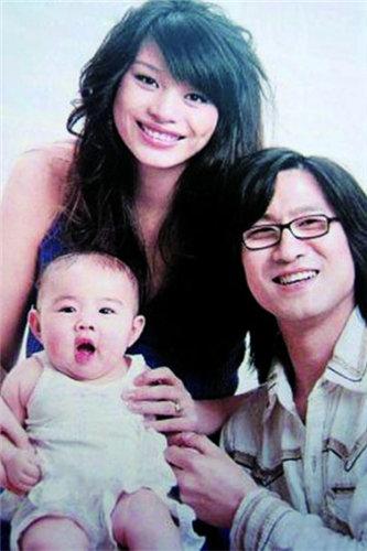 汪峰和葛荟婕育有一女,后分手
