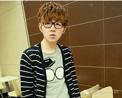 帅男照片大全厚重的刘海是原年的形势所趋插图(15)