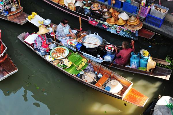 泰国最有特色的水上市场和火车市场在哪里?